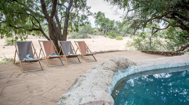 Pool area, Umlani Bushcamp