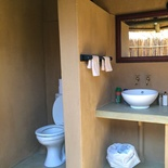 Bathroom, Eco Hut, Umlani Bushcamp